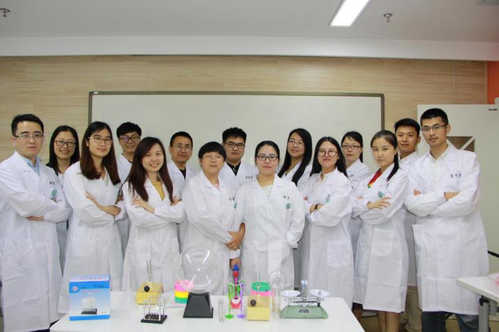 物理实验课,爱智康物理实验课,初二物理实验,物理实验